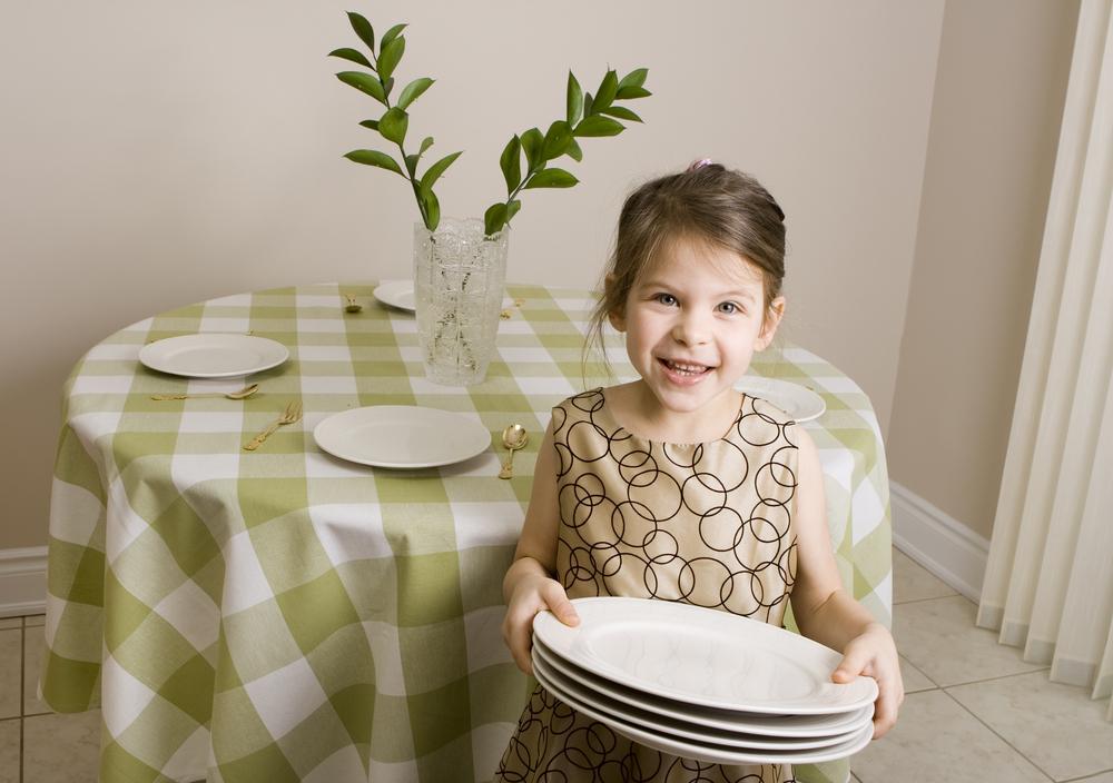 Descubre qué tareas deben hacer los niños según su edad ...