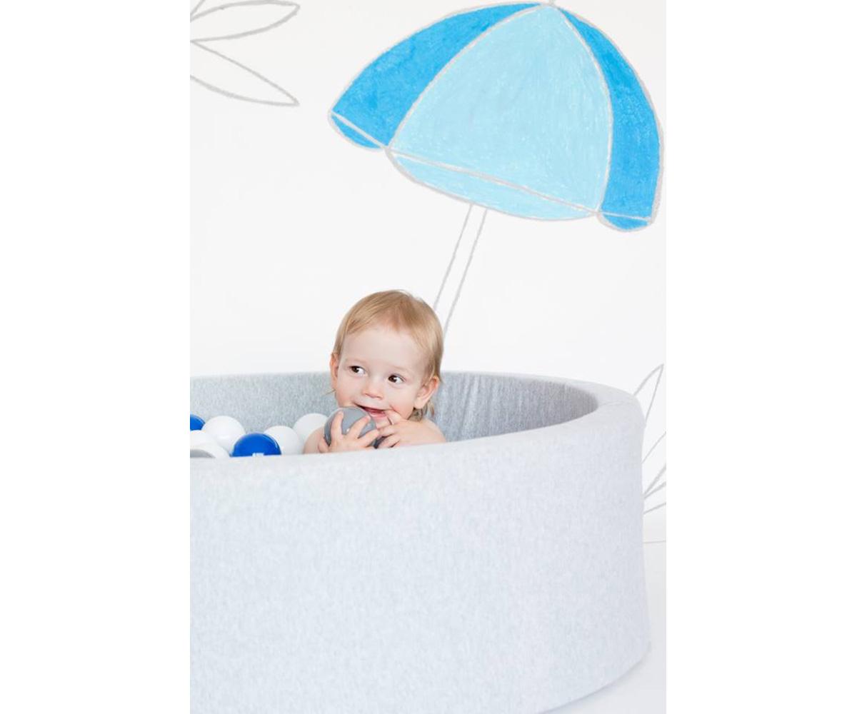 Piscina bolas para beb gris claro azul negro y blanco for Piscinas de bolas para bebes