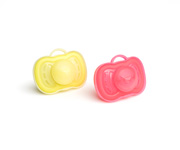 2 Chupetes Herobility Coral-Amarillo +6m