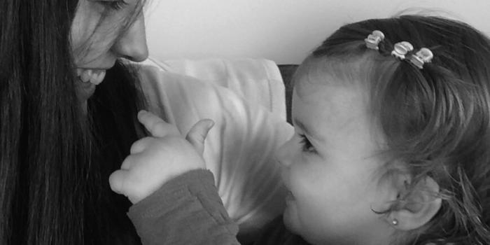 ¿Debemos obligar a los niños a dar besos?